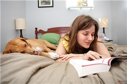 Tạo thói quen đọc báo tiếng Anh mỗi ngày để cải thiện kiến thức