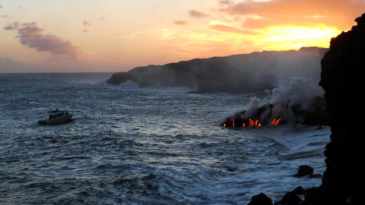 Cuộc sống trong bóng tối của 1 ngọn núi lửa Hawaii